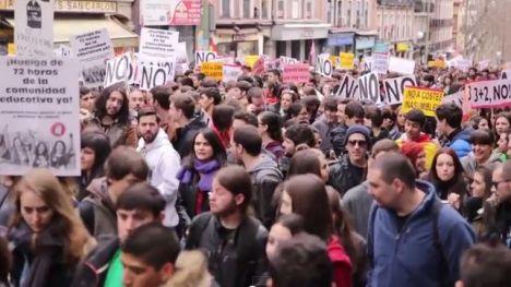Manifestacion-universidad_EDIIMA20150226_0835_4